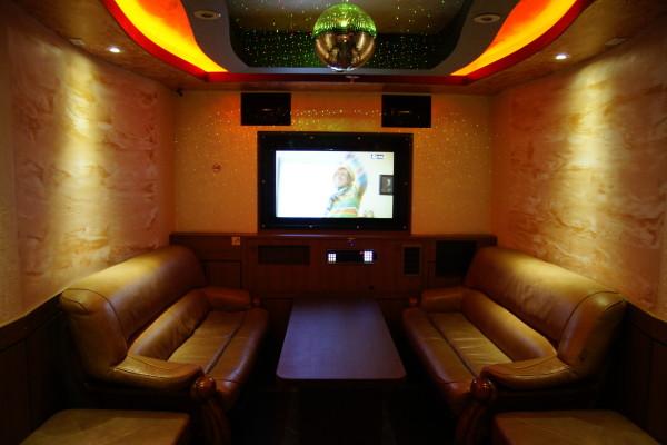Karaoke bar montreal pang pang karaoke for Design room karaoke